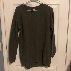 H&M Crew Neck Sweater, size medium!